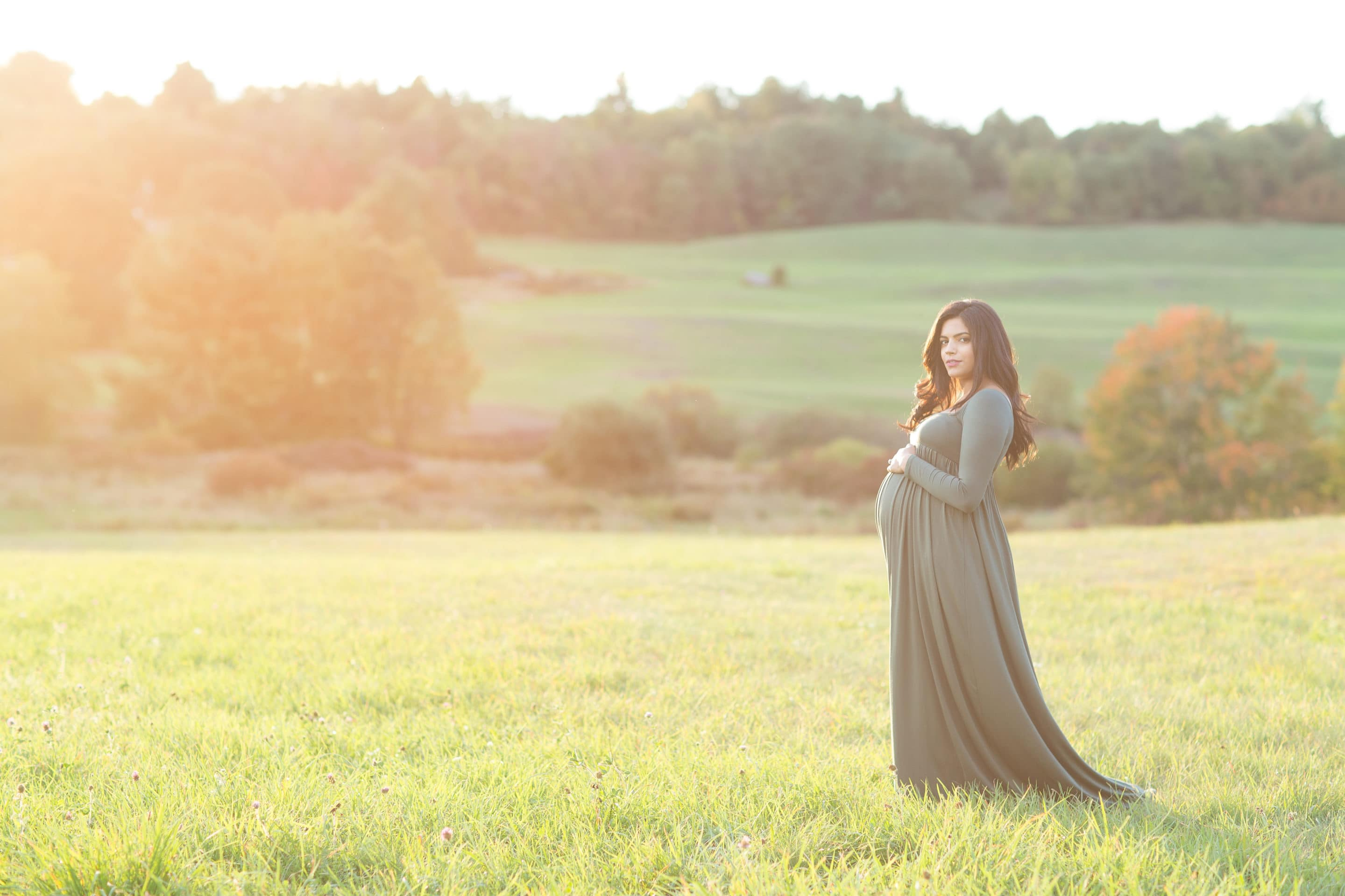 Maternity and newborn photographer in Bolton MA
