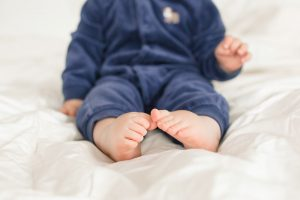 baby toes for stow ma family and newborn portraits at The Ewings baby studio
