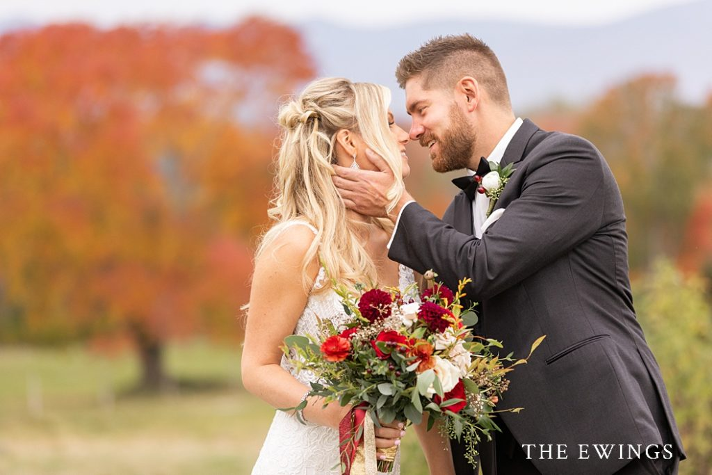 Romantic, bright wedding pictures of a Mountain View Grand wedding.